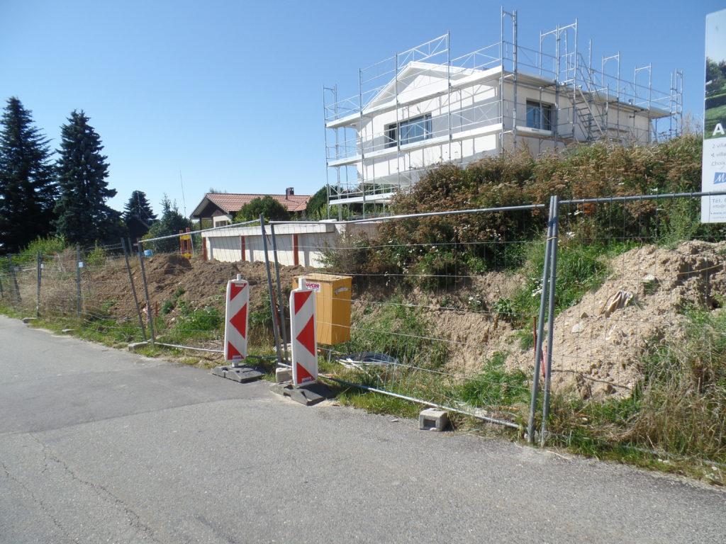 Construction d'une villa individuelle et de deux villas juxtaposées au Mont-sur-Lausanne